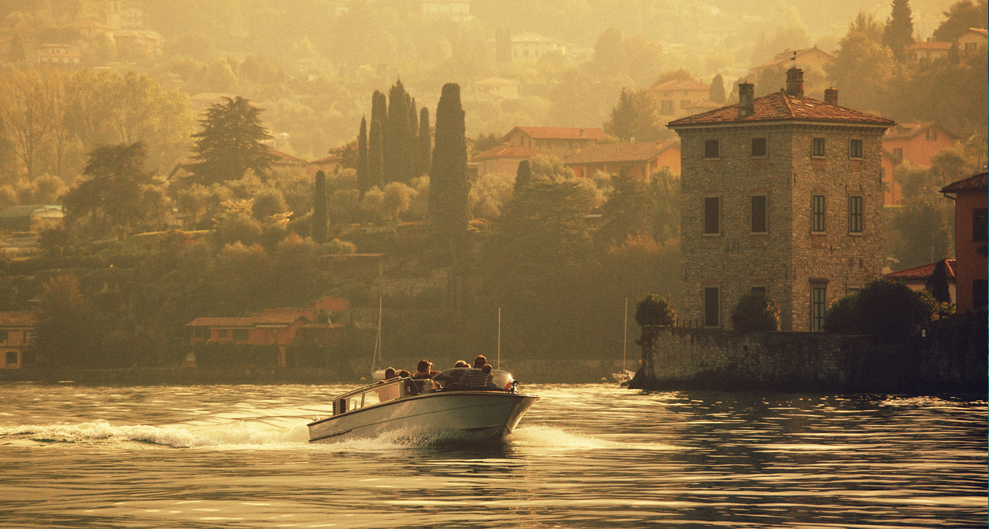 holiday-with-boat-on-lake-como